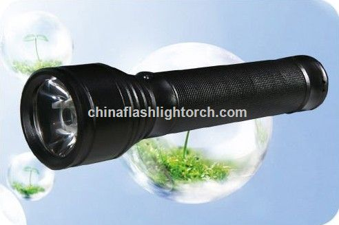 Non-Rechargeable Dimming and Focusing LED Flashlight